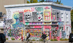 Check Out Street Art At Le Plateau and Miles End